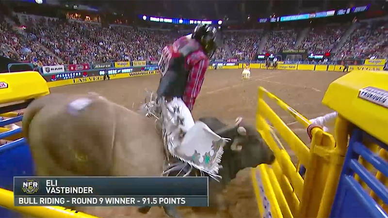 Eli Vastbinder rides Bruiser for the Bull Riding win in Round 9 of the 2018 WNFR.